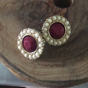 Stud earrings ruby red with pink pastel cluster